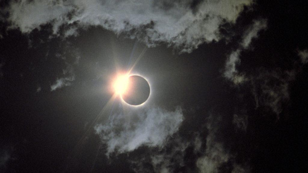 la-tr-solar-eclipse-20170319